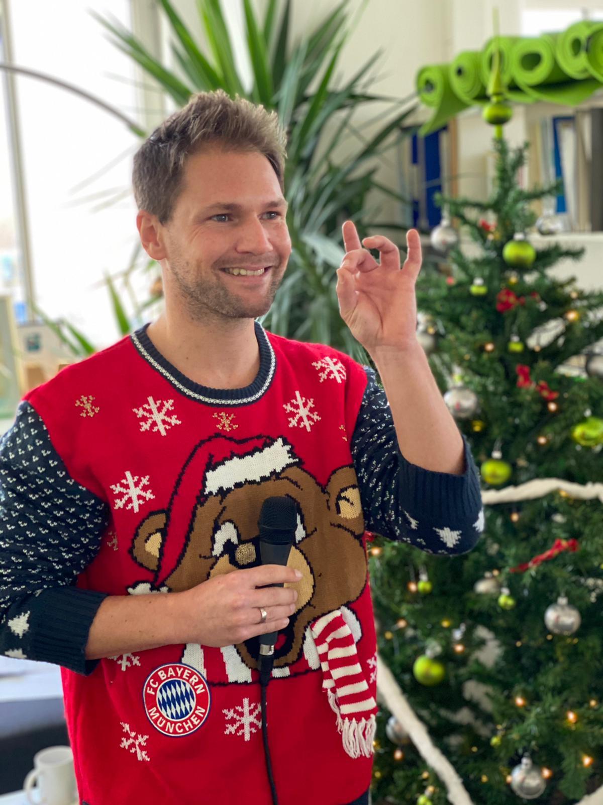 Moderation digitale Weihnachtsfeier Nürnberg Hybridevent Event Hybrid Host Tobias Witton