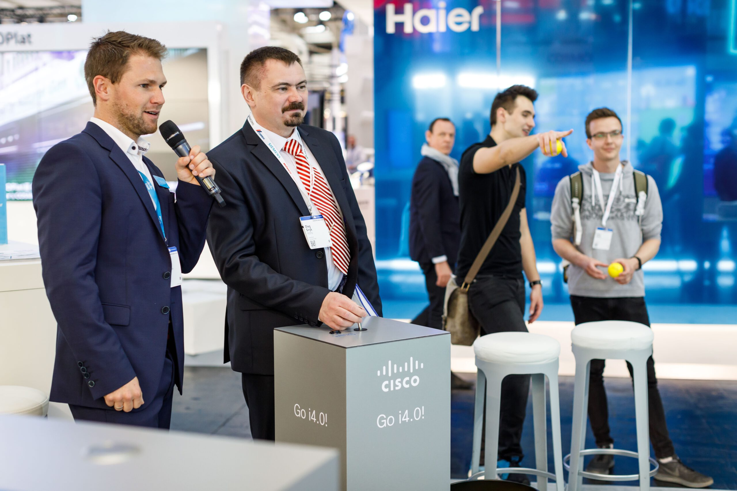 German Presenter Tobias Witton hosting the stand of Cisco at Hannover Messe